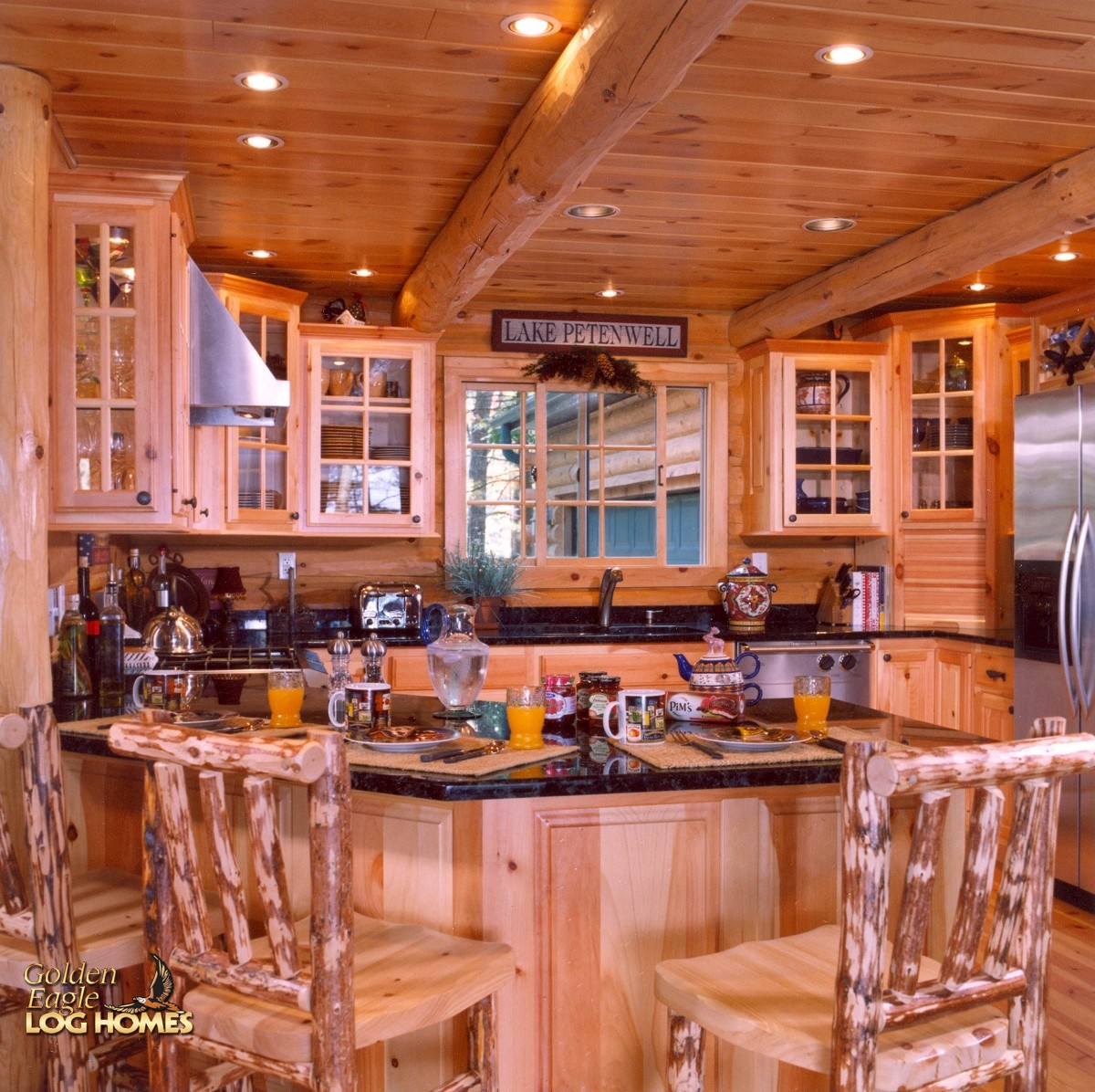 Lake Luxury Kitchens: Golden Eagle Log And Timber Homes: Log Home / Cabin